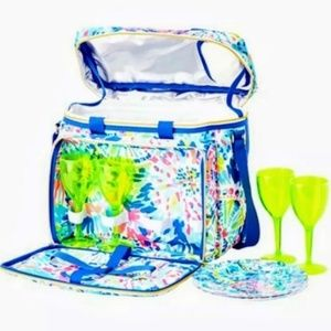 Lilly Pulitzer Picnic Cooler & Free Lilly Gift